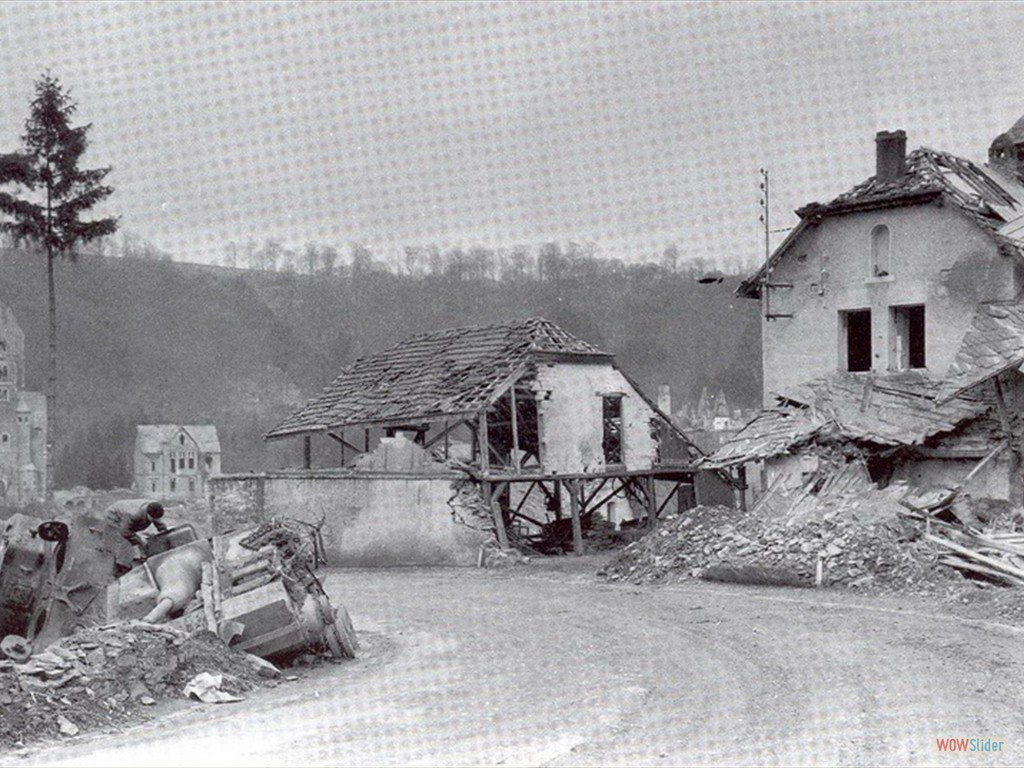 Sherman and Stug in Clervaux title=